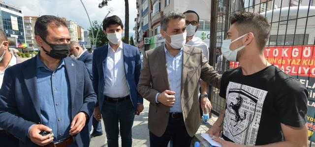 Tokat Belediyesi'nden YKS'ye giren aday ve ailelerine tatlı ikramı