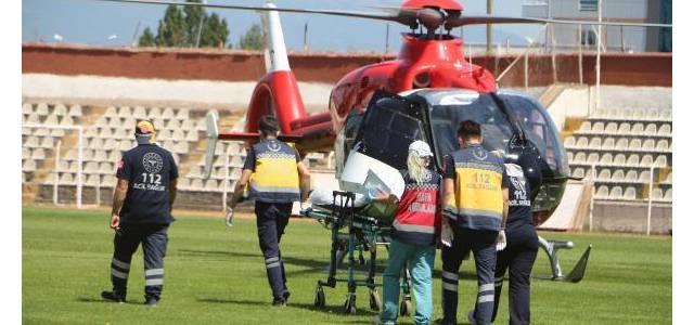 Kazada yaralanan 90 yaşındaki kadın helikopter ambulansla kurtarıldı