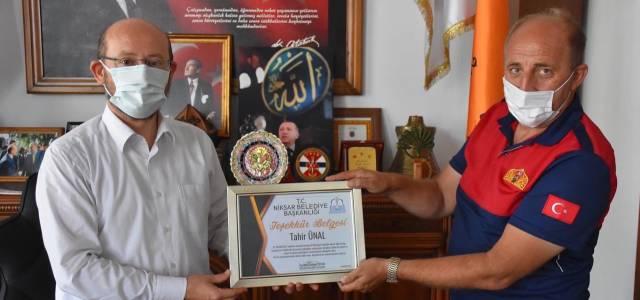 Manavgat'tan dönen itfaiye personeline teşekkür belgesi