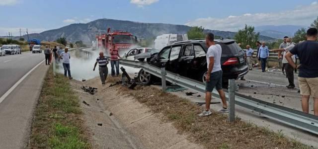 Taşova Erbaa sınırında kaza 2 ölü 5 yaralı