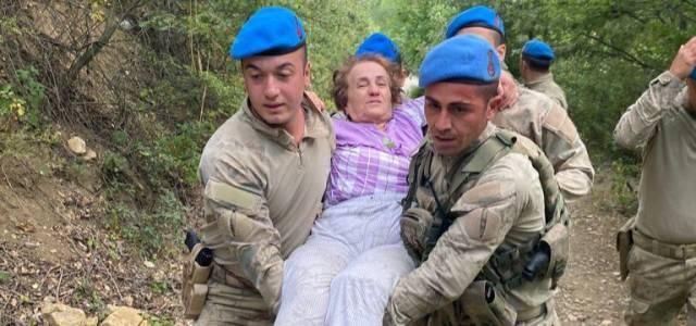 Erbaa'da kaybolan yaşlı kadını komandolar buldu