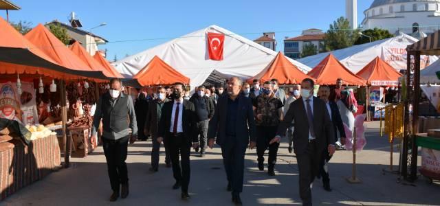 Asırlık gelenek 'Zile Panayırı' yeniden açıldı