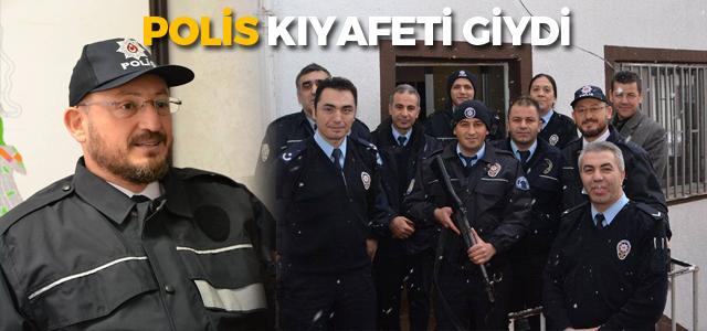 Belediye Başkanı'ndan polis kıyafetli ziyaret