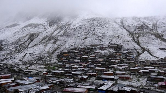 Rizede yılın ilk karı yağdı, yaylacılar hazırlıksız yakalandı