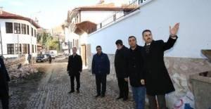 Başkan Eroğlu: Tarihi sokaklarımızı turizme kazandıracağız