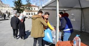 Tokat'ta ve Niksar'da Elazığ depremi için yardım kampanyası