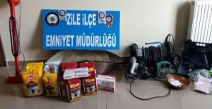 Zile'de 8 ayrı eve giren 3 zanlı tutuklandı