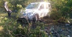 Şarampole devrilen hafif ticari aracın sürücüsü öldü
