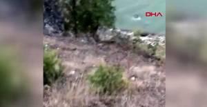 Baraj gölüne uçan araçtaki 4 kişiyi balıkçılar kurtardı