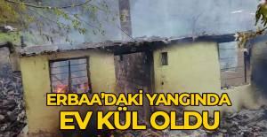 Erbaa'da çıkan yangında tek katlı ev kül oldu