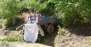 Durdurmaya çalıştığı traktörün altında kalan çiftçi öldü