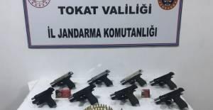 Erbaa'da JASAT timlerinden silah kaçakçısına operasyon