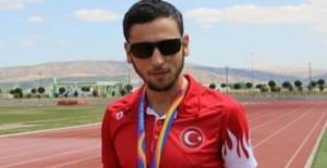 Erbaalı para atlet Oğuz Akbulut altın madalya kazandı