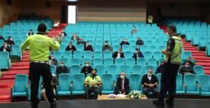 Erbaa'da servis soförlerine yönelik bilgilendirme toplantısı yapıldı