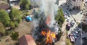 Niksar'da barakada yangın