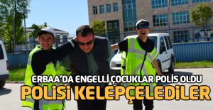 Polis yeleği giyen engelli öğrenciler devriye gezdi