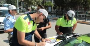 Şehir İçi Trafikte Emniyet Kemeri Takmayanlara Ceza Yağdı