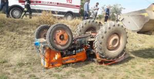 Zile'de traktör devrildi: 1 yaralı