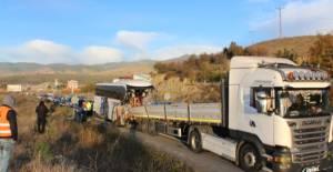 Kastamonu'da Tokat'a gelen Askerleri Taşıyan Yolcu Otobüsü TIR'a Çarptı: 2 Ölü, 31 Yaralı Var