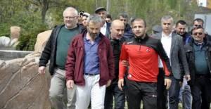 Avrupa şampiyonu milli güreşçiye Tokat'ta coşkulu karşılama