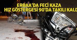 Erbaa'da motosiklet otomobille çarpıştı: 1'i çocuk 3 yaralı