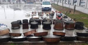 Hırsızlık şüphelileri, çaldıkları eşyalarla yakalandı