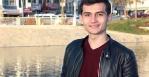 Kavgayı ayırmak isterken bıçaklanan öğrenci hayatını kaybetti