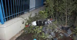 Erbaa'da Şehitlik duvarına çarpan motosiklet sürücüsü öldü