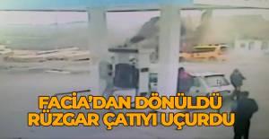 Erbaa'da şiddetli rüzgarın çatıyı uçurduğu an kamerada