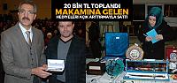 Belediye başkanı makamına gelen hediyeleri Suriyeliler için açık artırma ile sattı