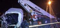 Reşadiye'de Yolcu Otobüsü ile Kamyonet Çarpıştı: 1 Ölü, 6 Yaralı