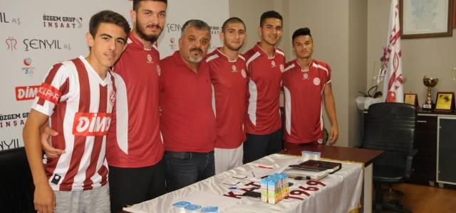 Tokatspor 14 futbolcu ile sözleşme imzaladı