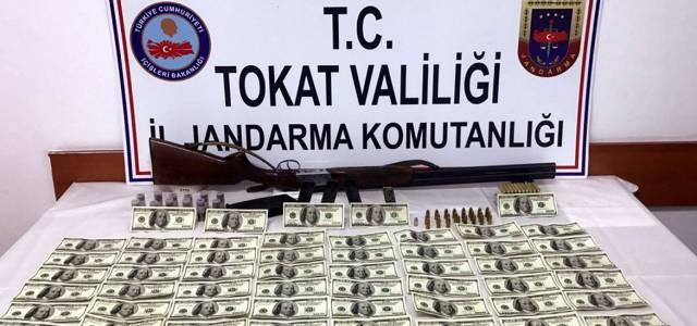 Tokat'ta sahte dolar ele geçirildi